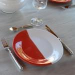 Assiette plate Kerouan rouge et blanc - D 24 cm